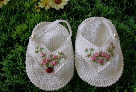 Как связать сандалии для ребенка