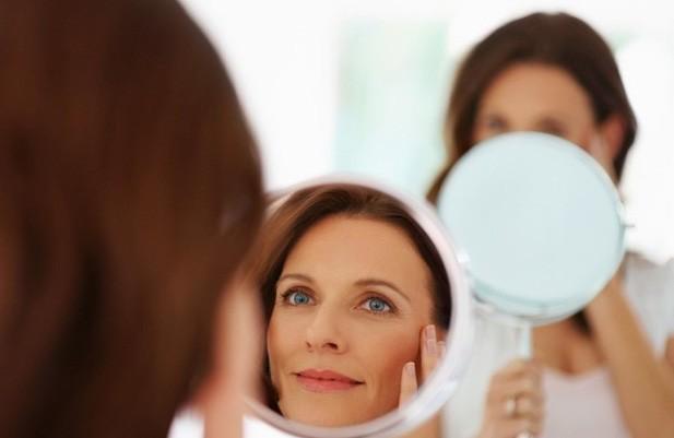 Не старит ли вас макияж