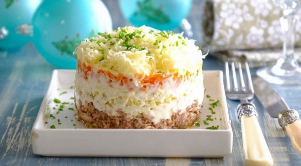 Приготовление салата Мимоза