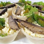 Салат со шпротами