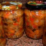 Сладкий консервированный салат с баклажанами
