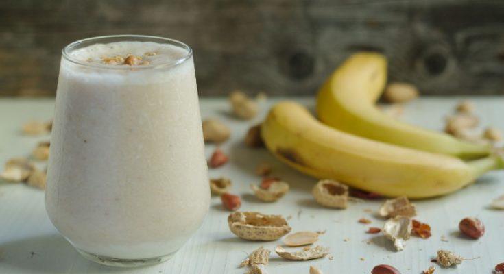 Как приготовить банановый смузи