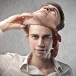 Как распознать обман: 10 уловок лжеца, которые его выдают