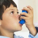 Курение мужчин и женщин приводит к развитию бронхиальной астмы у их детей и внуков