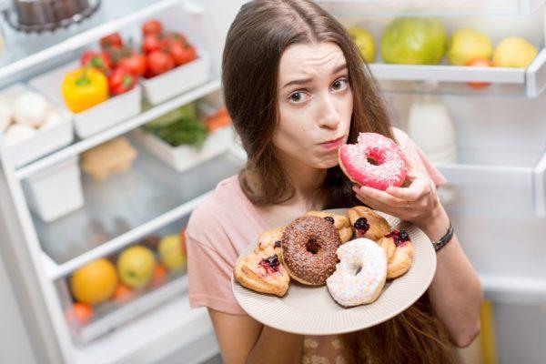 выбирать вредную еду